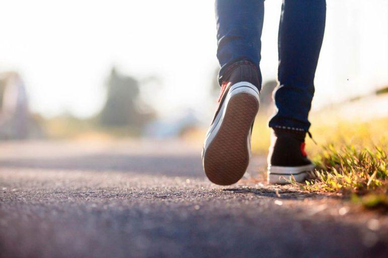 best-walking-shoes-person-walking